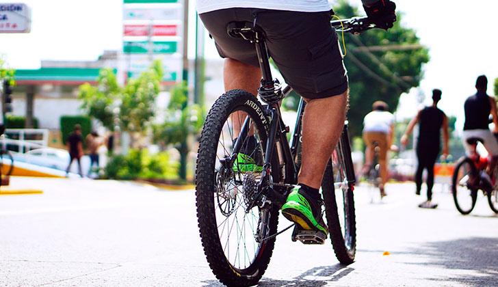 Andar en bicicleta de forma rutinaria reduce el riesgo de diabetes . Foto: Pixabay